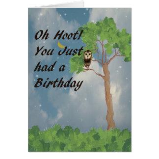 Cartão de aniversário atrasado com a coruja