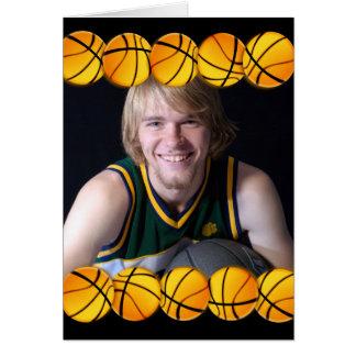Cartão de aniversário da foto do basquetebol