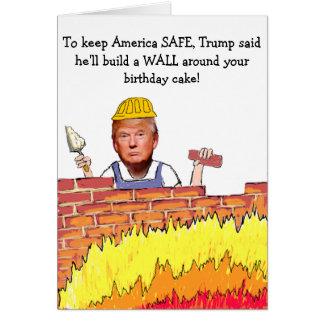 Cartão de aniversário da parede do trunfo