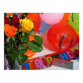 Cartão de aniversário das flores e dos balões