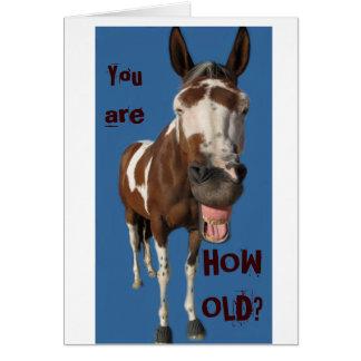 Cartão de aniversário de bocejo engraçado do