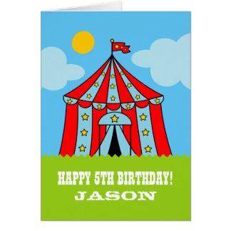 Cartão de aniversário de criança com a tenda do