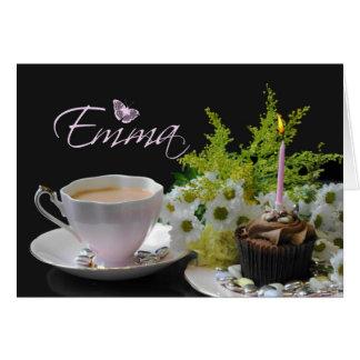 Cartão de aniversário de Emma com chá e flores do