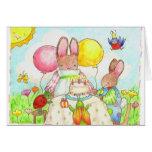 cartão de aniversário do coelho e do inseto