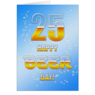 Cartão de aniversário do dia feliz da cerveja 25o