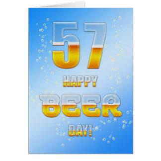 Cartão de aniversário do dia feliz da cerveja 57th