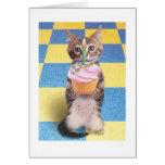 cartão de aniversário do gato do cupcake
