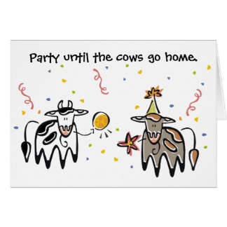 Cartão de aniversário do partido da vaca