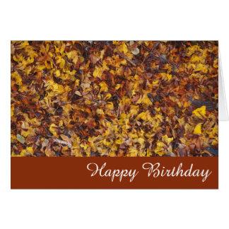 Cartão de aniversário do vazio da maca da folha