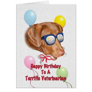 Cartão de aniversário do veterinário com cão do