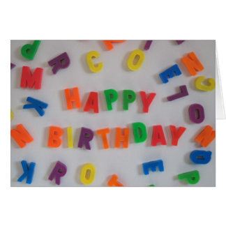 Cartão de aniversário dos ímãs da letra