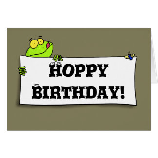 Cartão de aniversário engraçado bonito do sapo