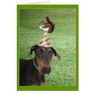 Cartão de aniversário engraçado do cão e do