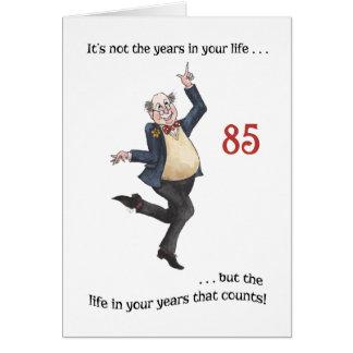 Cartão de aniversário específico à idade do