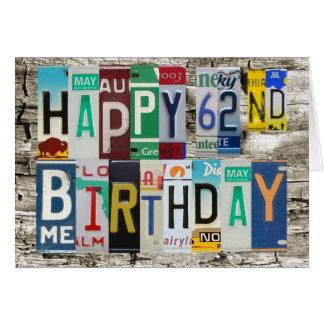 Cartão de aniversário feliz das matrículas 62nd