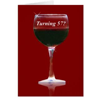 Cartão de aniversário feliz do vinho engraçado