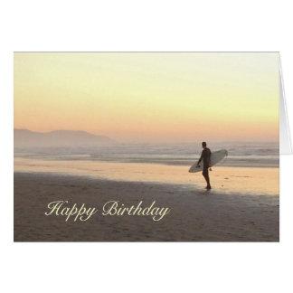 Cartão de aniversário: Surfista