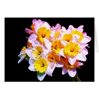 Cartão de cumprimentos amarelo do Daffodil do