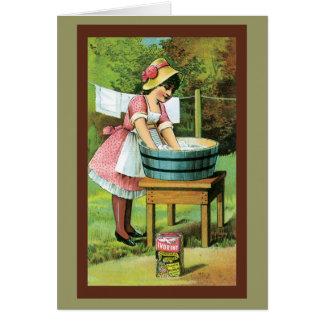 Cartão de lavagem da roupa da menina