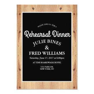 Cartão de madeira do jantar de ensaio do país