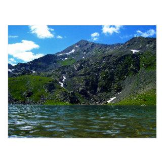 Cartão de Malaya Ulba do rio da montanha
