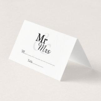 Cartão De Mesa Casamento elegante simples de Mr&Mrs