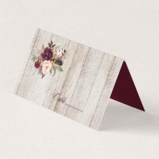 Cartão De Mesa Marsala Borgonha Boho empluma-se Barnwood |