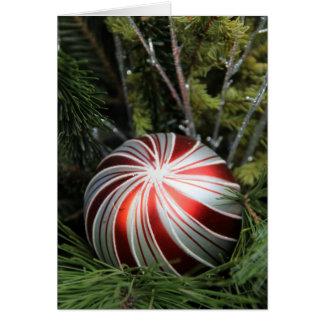 Cartão de Natal com ornamento