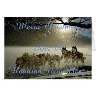Cartão de Natal nevado do cão