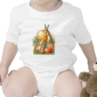 Cartão de páscoa dos ovos da páscoa do coelhinho d babador