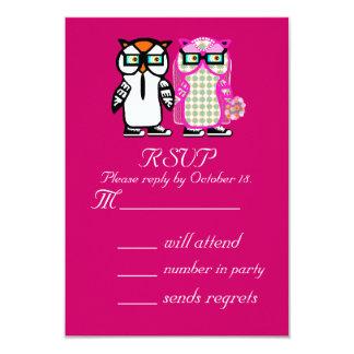 Cartão de resposta engraçado do convite da coruja