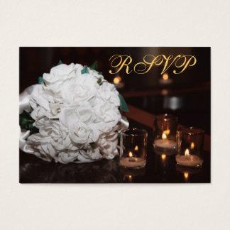 Cartão de rosas brancos & de casamento do ouro