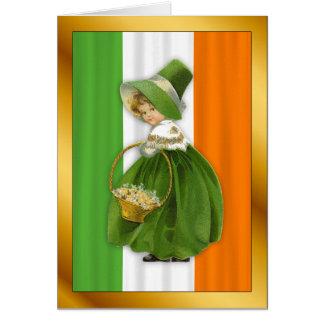 Cartão De St Patrick irlandês da menina do vintage o dia