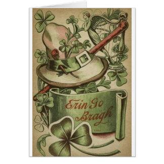 Cartão De St Patrick irlandês dos símbolos do vintage