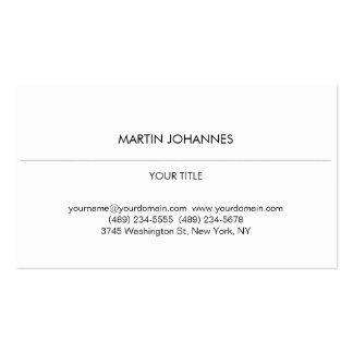 Cartão de visita branco profissional liso estético