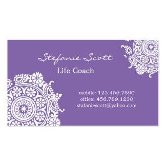 Cartão de visita elegante em roxo e em branco