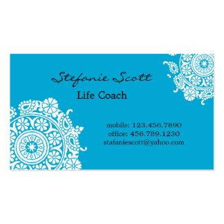 Cartão de visita elegante nos azul-céu e no branco