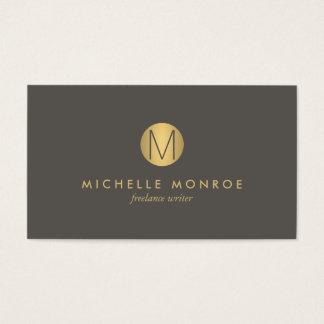 Cartão de visita minimalista do monograma do ouro