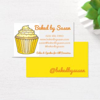 Cartão De Visitas Bolo amarelo do cupcake cozido pelo cozinheiro
