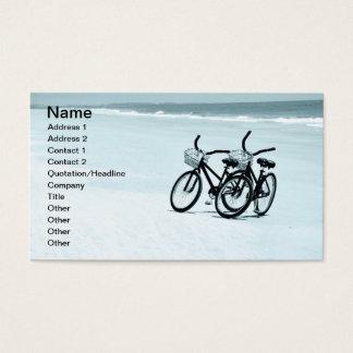 Cartão De Visitas duas bicicletas de visita vazias em uma praia