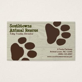 Cartão De Visitas Impressões da pata do cão no fundo de madeira do