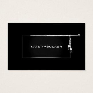 Cartão De Visitas Needlewoman branco preto da forma do diamante dos