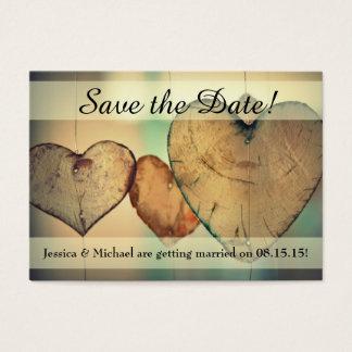 Cartão De Visitas Os corações de madeira de suspensão rústicos