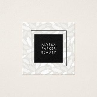 Cartão De Visitas Quadrado Penas cinzentas chiques com preto moderno