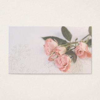 Cartão De Visitas rosas cor-de-rosa no tecido textured