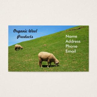 Cartão De Visitas Um pasto verde luxúria com os dois carneiros que
