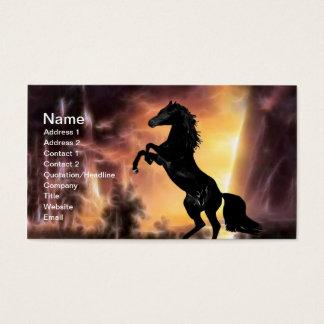 Cartão De Visitas Uma elevação do cavalo do garanhão do frisão