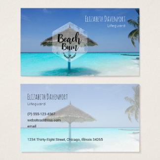 Cartão De Visitas Vagabundo da praia com o guarda-chuva de praia