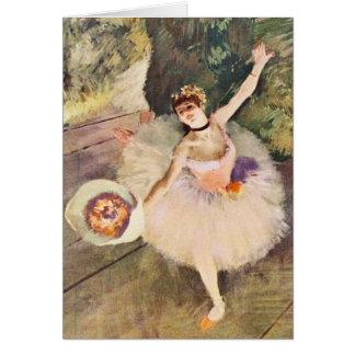 Cartão Desgaseifique a bailarina com o buquê das flores