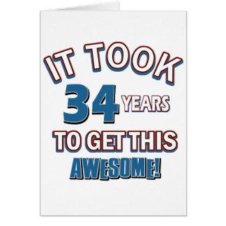 Cartão Design do aniversário das pessoas de 34 anos